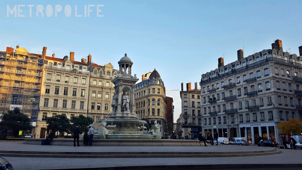 A guide for the perfect weekend in lyon metropolife - Place des jacobins lyon ...